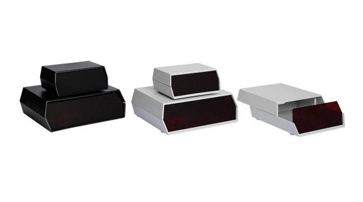 Front Panel  Prodotti  Contenitori per elettronica - Plastica